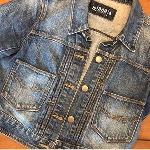 🧶GAP faded jean jacket